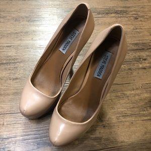 Steve Madden Shoes - Steve Madden Nude Deja Vu heels